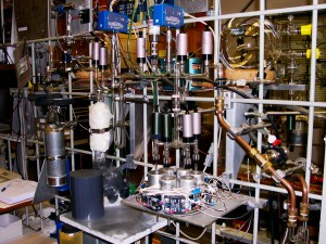 CO2 Extraction rack.  CO2 level is measured by shining an IR light through a tube of test gas and a reference tube, and measuring the difference in absorption